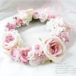 ナチュラルでキュート、淡い色合いの花冠!